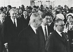 Inauguration du campus de Jouy-en-Josas par le Général De Gaulle