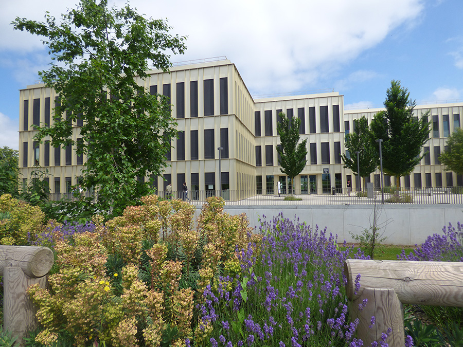 The S Building on the HEC Paris Campus