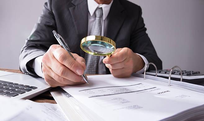 accounting ©Andrey Popov-AdobeStock