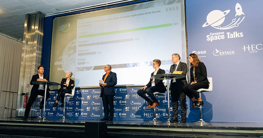 ©Ciprian Olteanu  - Thomas Pesquet on stage - European Space Talks - HEC Paris - Oct. 8, 2019