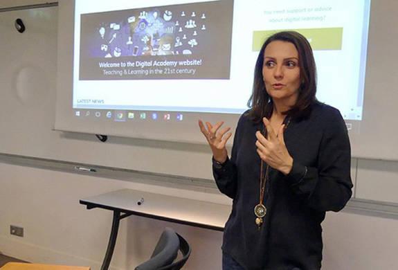 Caroline Meriaux HEC teaching