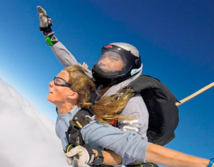 X HEC Entrepreneurs skydive
