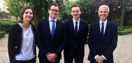 Les étudiants du MSc Finance d'HEC Paris et Olivier Bossard, directeur du programme - Club des Trente 2018