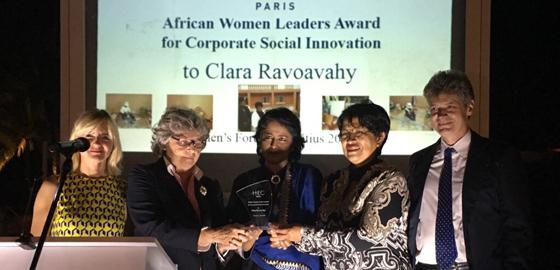 Prix HEC Paris de la dirigeante africaine pour l'innovation sociale remis lors du Womens Forum de l'ïle Maurice - HEC Paris 2016