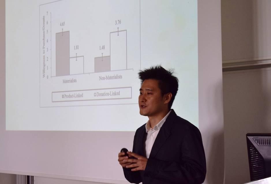 Sukhuyn Kim, HEC PhD Marketing