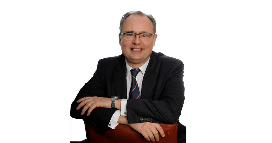 Franck Ceddaha, directeur académique du Certificat Finance d'HEC Paris à Abidjan