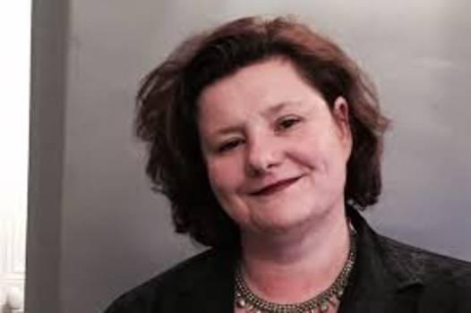 Carol Echtebarne