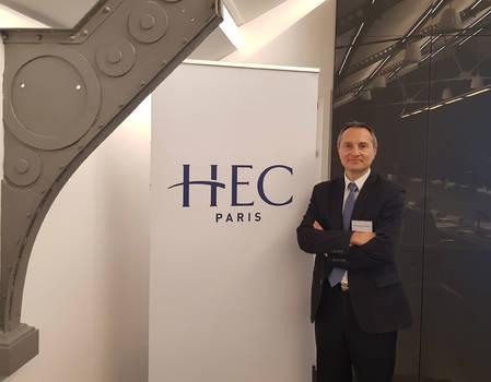François-Xavier WIACEK Directeur du Développement RH Groupe Urgo